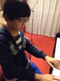 男の子がピアノを習うこと