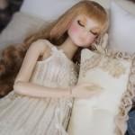 お人形の夢と目覚め