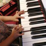 4歳のピアノレッスン